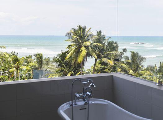 Im Ayurvie Weligama Resort bieten die Deluxe Rooms einen herrlichen Meerblick